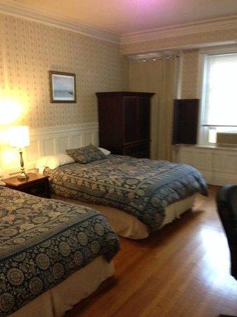 Beacon Inn 1750: Room
