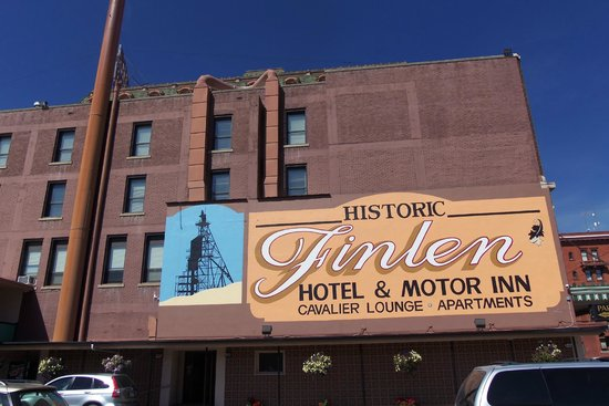 Finlen Hotel and Motor Inn: East side of Finlen Hotel