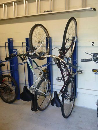 Residence & Conference Centres - Niagara on the Lake: Bike room