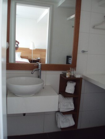 Plaza de Armas Cusco Hotel: Sink/Bathroom
