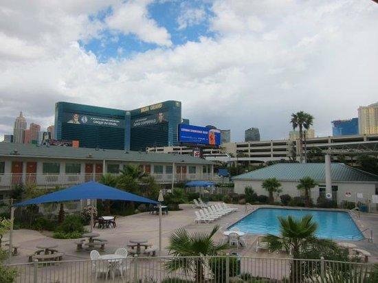 Motel 6 Las Vegas - Tropicana: けっこう広いです