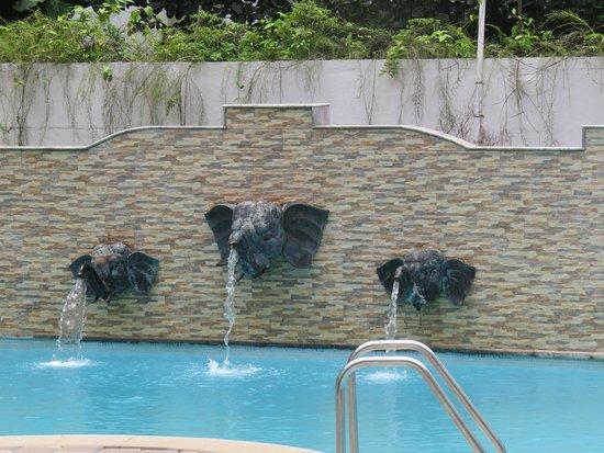 Karma Royal Monterio : Pool Near Receiption
