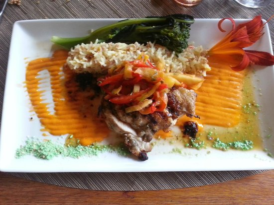 The Settlers Inn: Chicken Roulade with Peach Salsa