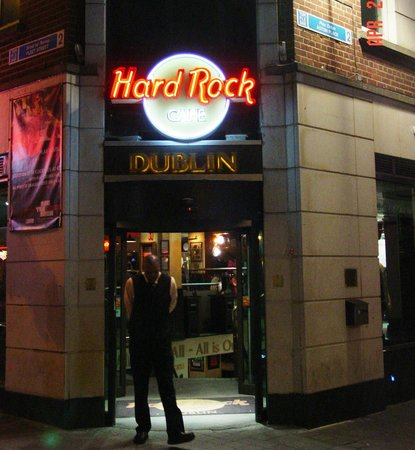 Hard Rock Cafe: Sorry, not me in the photo!!