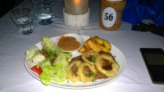 Scallywags Beach Club : Well Done Steak