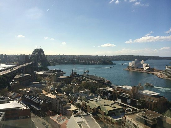 Shangri-La Hotel Sydney: I could sit here all day and night