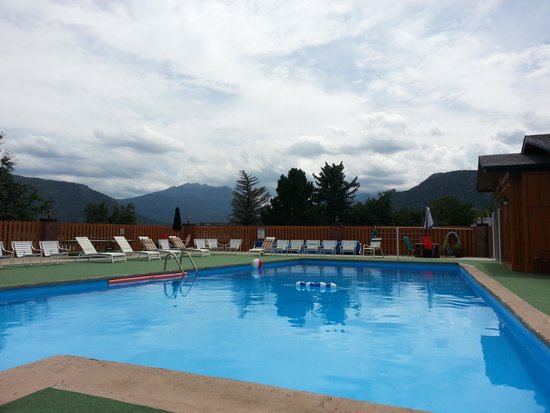 Murphy's Resort at Estes Park: view form the pool