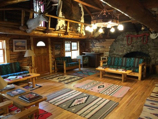 Drowsy Water Ranch: The main lodge room