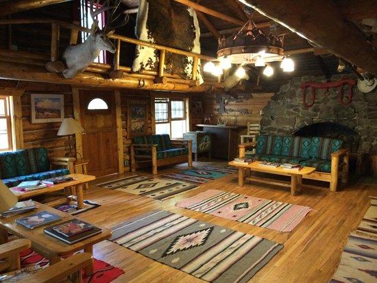 Drowsy Water Ranch : The main lodge room