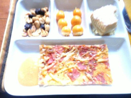 PeruRail - Vistadome: Snack is included
