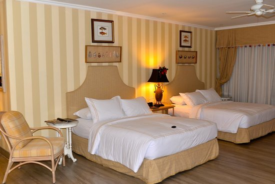 The Inn at Cliffhouse Tagaytay : Twin Beds in all rooms