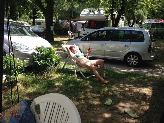 Camping Sabbiadoro: schattige und saubere Standplätze