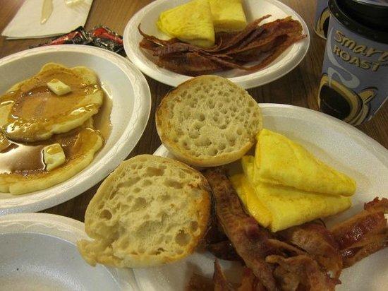 Holiday Inn Express Grand Canyon : 朝食付き