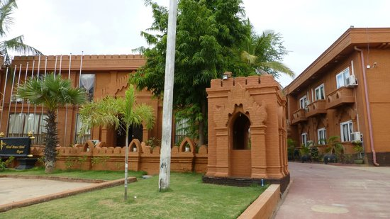 The Floral Breeze Hotel Bagan : Hotel