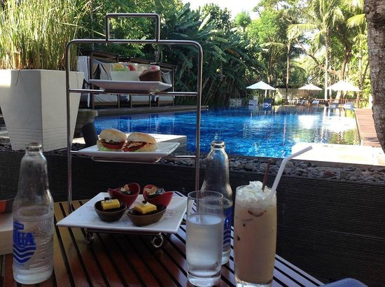Conrad Bali : Suites Afternoon Tea (try to get a seat by the pool!)