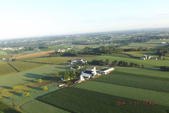 The United States Hot Air Balloon Team: Amish farm