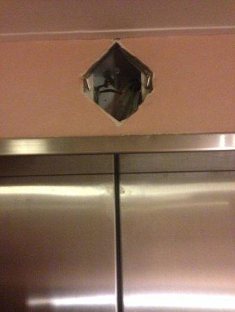 Kings Perth Hotel: Elevator renovations