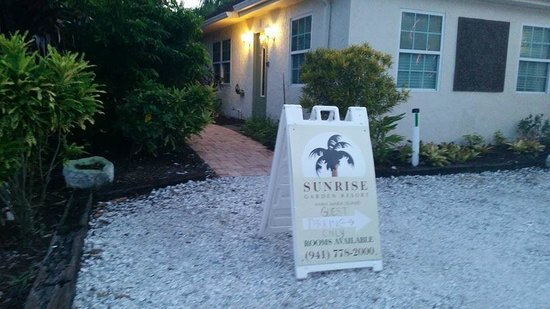 Sunrise Garden Resort: We arrived to an accessible parking spot saved for us!