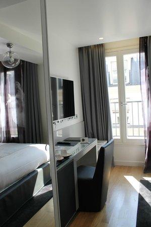 Lyric Hotel Paris: Room