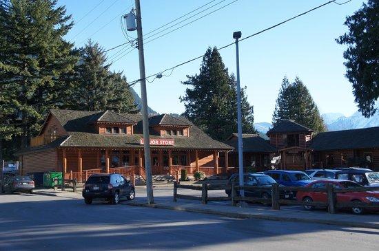 Harrison Hot Springs Resort & Spa: 探索3ワインショップ