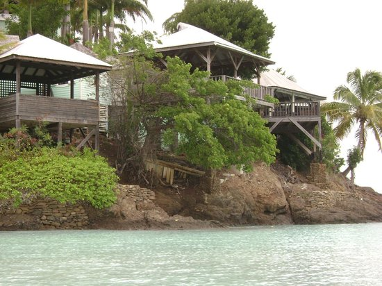 COCOS Hotel Antigua: View of cottages