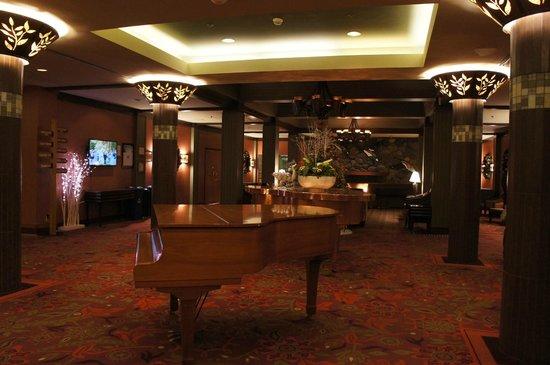 Harrison Hot Springs Resort & Spa: ホテルロビー