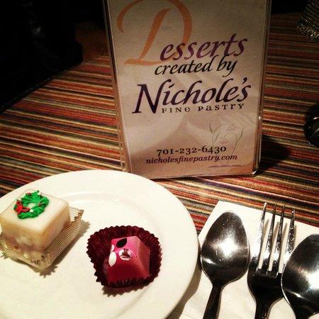 Nichole's Fine Pastry: Desserts