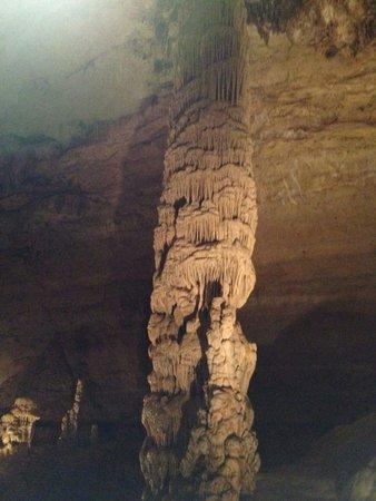 Natural Bridge Caverns: Roel Vela's pic
