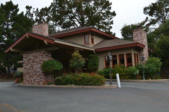 Comfort Inn Monterey Peninsula Airport : Office reception