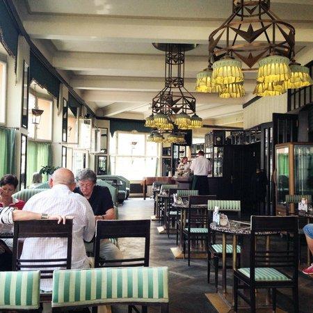 Grand Cafe Orient : decoração cubista