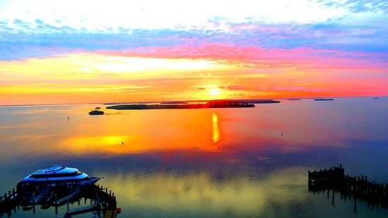 Sanibel Harbour Marriott Resort & Spa : Sunset from our room.