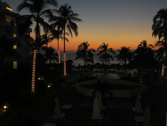 Marival Resort & Suites: from the grand