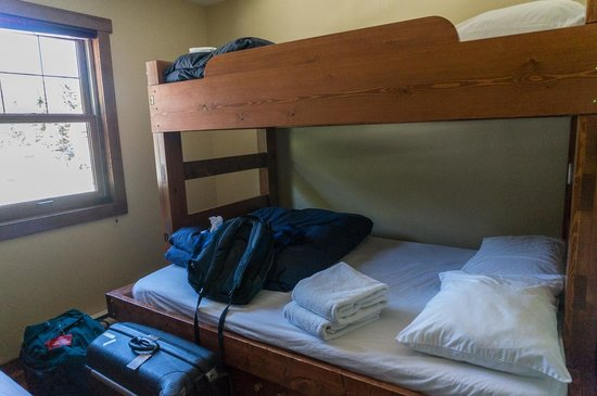 Fireweed Hostel : Room with two double bunkbeds