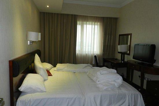 Cassells Al Barsha Hotel: Room