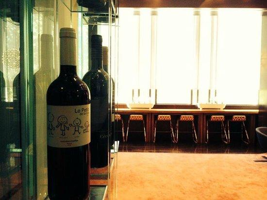 Sixtytwo Hotel: Muy buena selección de vinos