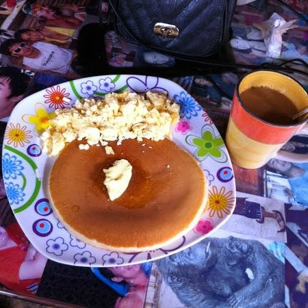Real Coffee & Tea Cafe: Scrambled Eggs and Pancakes