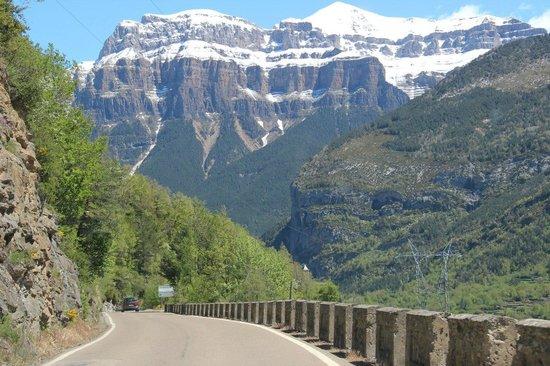 Parque Nacional de Ordesa: Парк Ордеса. Вид с дороги