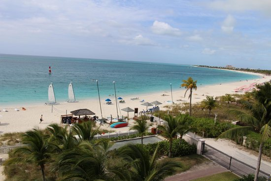 Seven Stars Resort & Spa: Grace Bay with sporting equipment