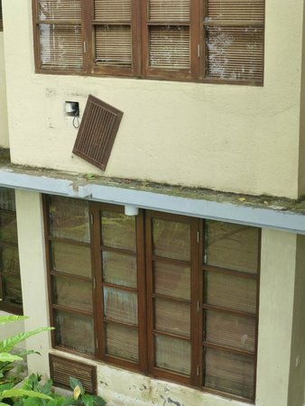 Puri Candikuning Retreat: Exterior of 1 bedroom villa - the windows don't close, either