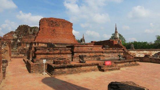 Wat Mahathat : rovine
