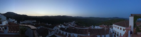 Hotel Los Castanos : View from rooftop terrace at dawn