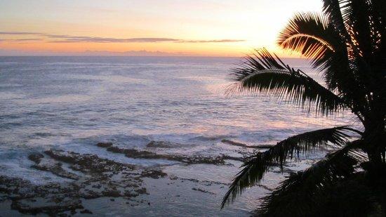 Scenic Matavai Resort Niue: Sunset from the room deck