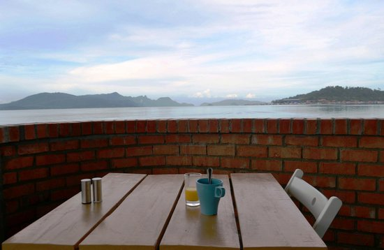 The Ocean Residence Langkawi: View Restaurant Breeze In