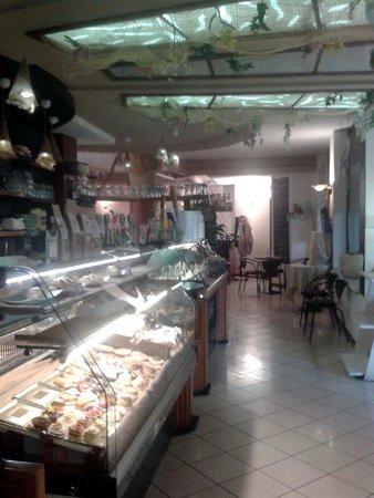 Caffe' Diesis: L'interno