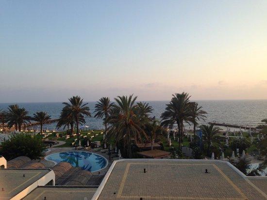 Constantinou Bros Athena Beach Hotel: View from sea view room!