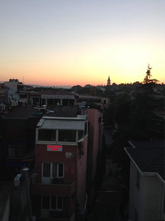 Hagia Sophia Hotel Istanbul Old City: Sunset from our room.