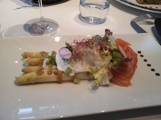 Château Sainte Sabine : Delicious meals served in the restaurant