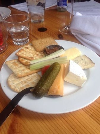 McHalls Bistro: cheese & biscuits