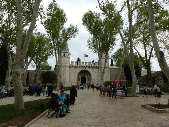 Topkapi Palace : вход в Топкапы