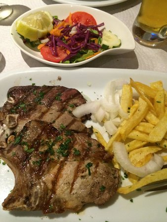O Lusitano : Black pig chops, delicious the best pork chops I've ever tasted